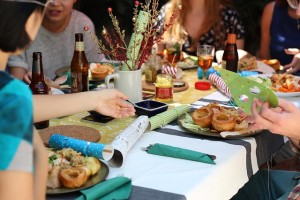 5 Ways to Eat Without Overeating this Holiday Season_640